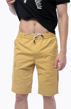 土黄色男士短裤